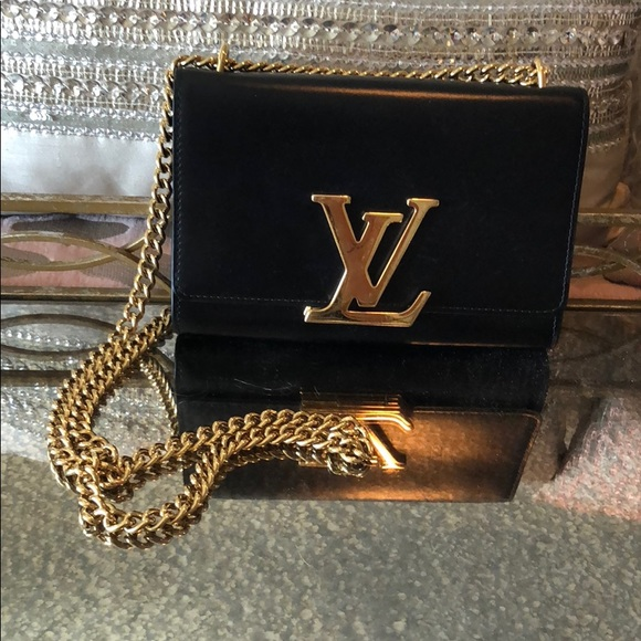 e5072c8e9a1e Louis Vuitton Handbags - Chain Louise GM LV